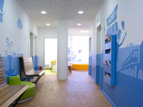 Innenarchitektur f r kinderarztpraxis in berlin neumann - Innenarchitektur flur ...