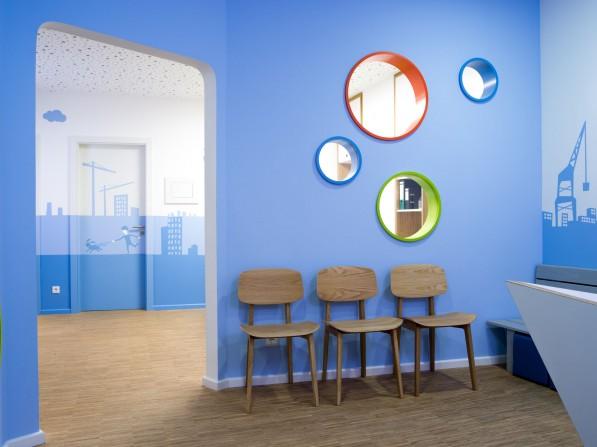 innenarchitektur f r kinderarztpraxis in berlin neumann kafert innenarchitektur berlin. Black Bedroom Furniture Sets. Home Design Ideas